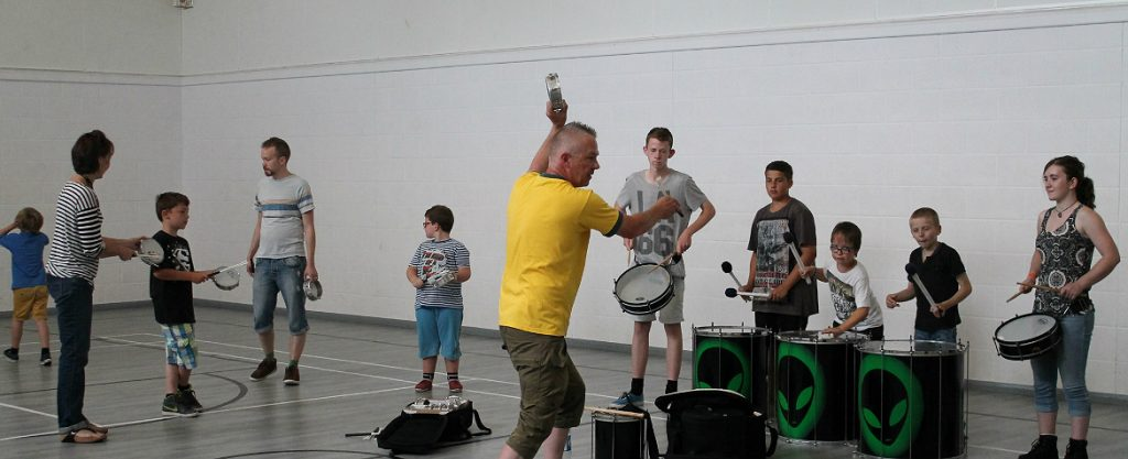 music group playing drums