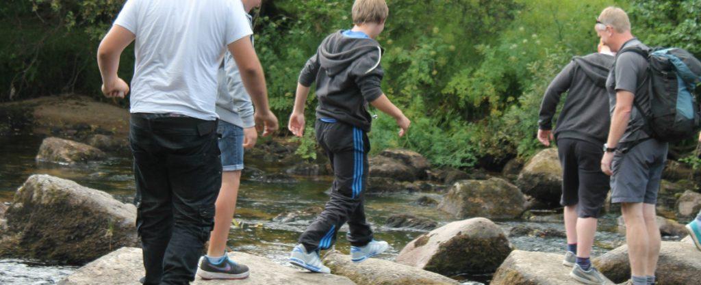 outdoor activities students on walk